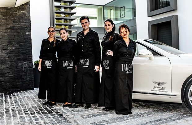 Catering Service Tango 6