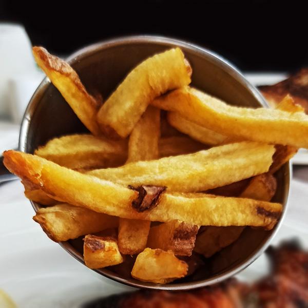 patatas-fritas-crujientes-tango-restaurante-puerto-banus